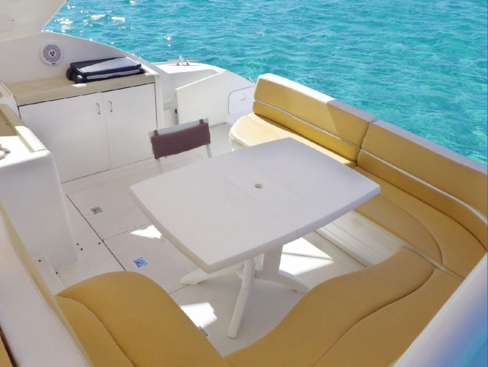 Hire Motorboat with or without skipper Carver Ajaccio