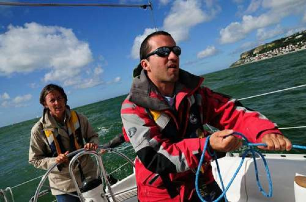 Rental Sailboat in Le Havre - Jeanneau Sun Fast 39