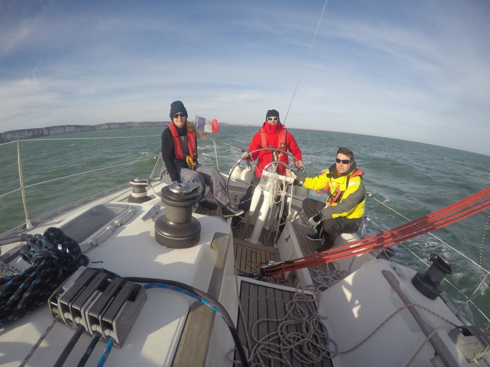 Hire Sailboat with or without skipper Jeanneau Le Havre