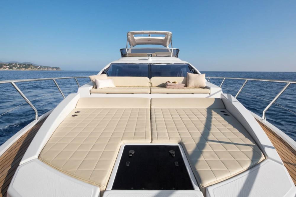 Rental Motorboat in Makarska - Azimut 50 Flybridge