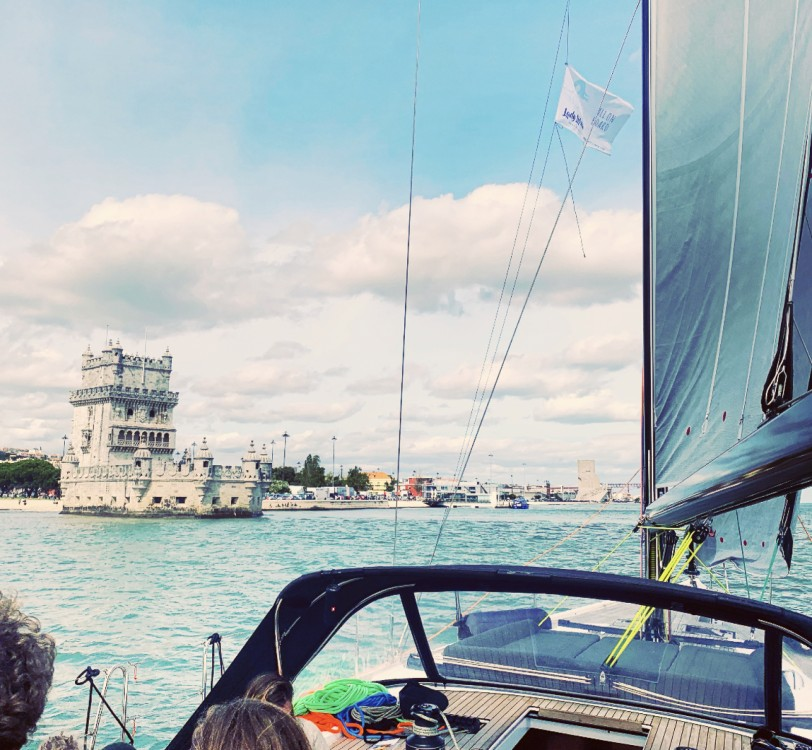 Hire Sailboat with or without skipper Dufour Alcântara