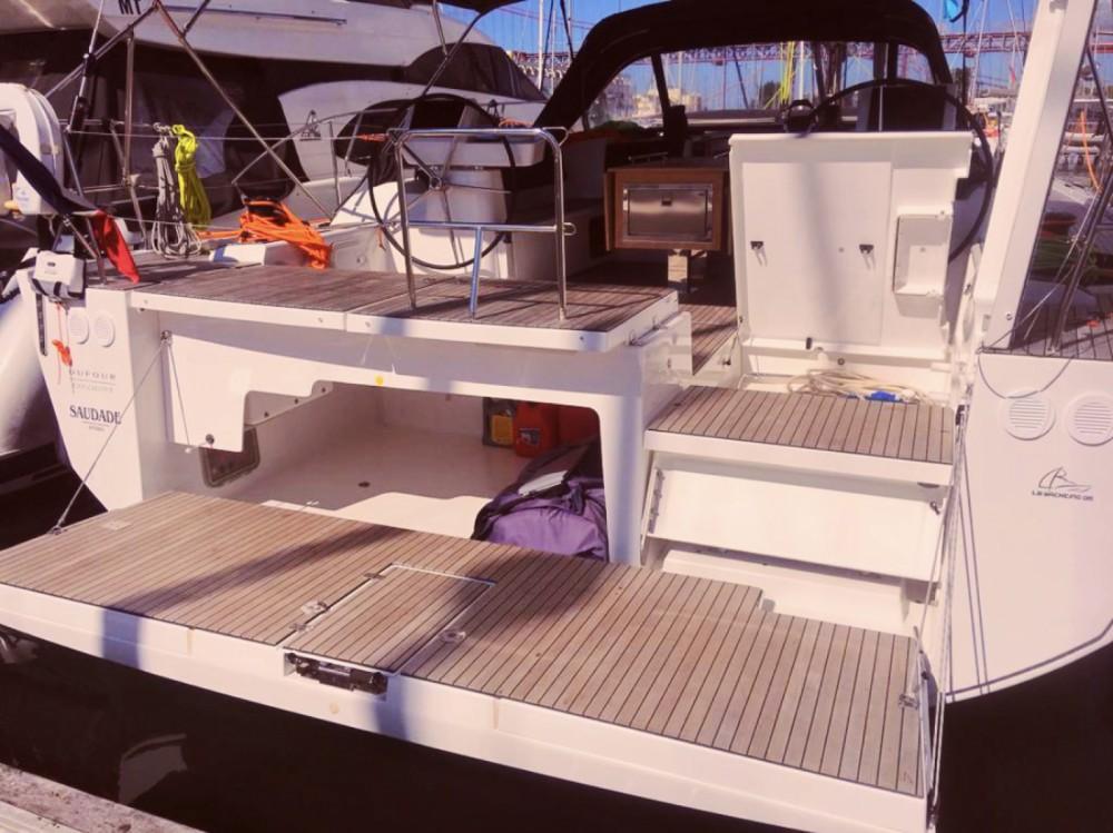 Rental Sailboat in Lisbon - Dufour Dufour 56 Exclusive