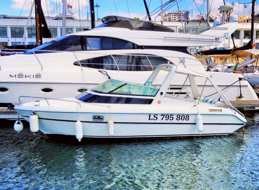 Hire Motorboat with or without skipper Jeanneau Lisbon