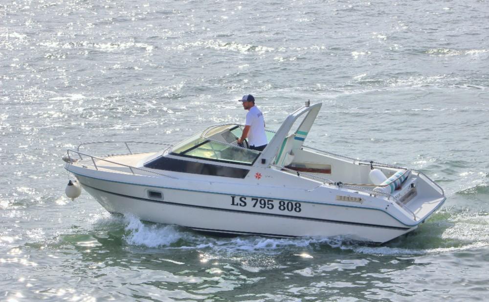 Boat rental Lisbon cheap Leader 650