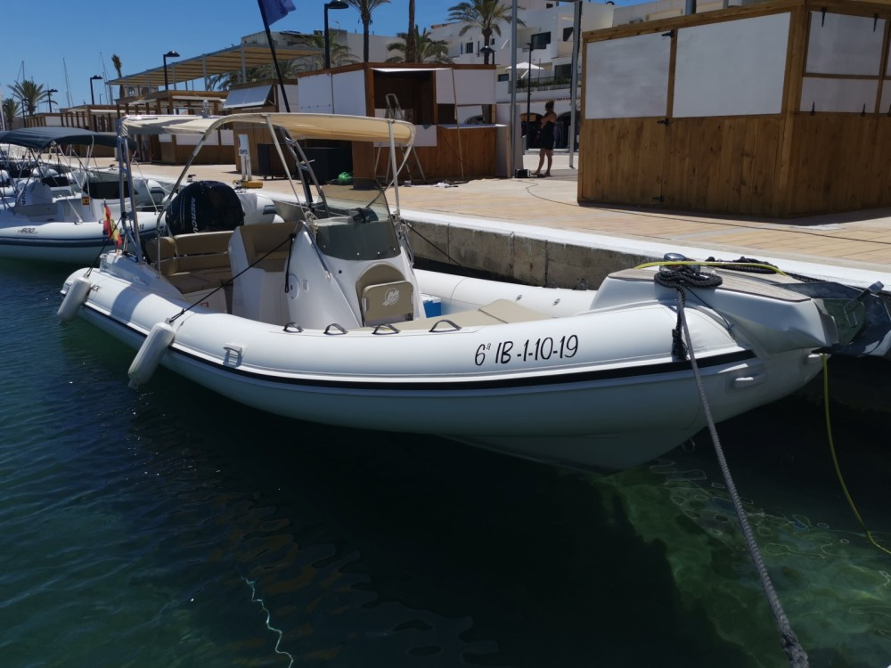 Boat rental la Savina cheap Blackfin 8 Elegance