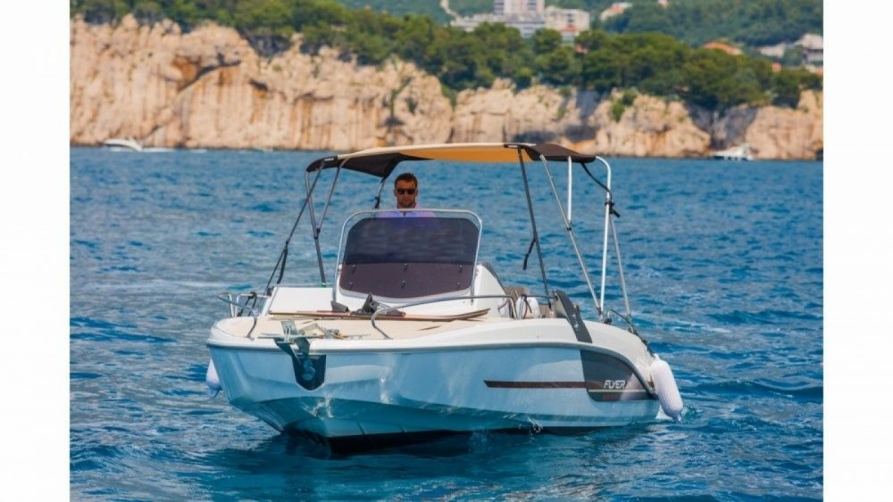 Boat rental Bénéteau Flyer 6.6 SUNdeck in Makarska on Samboat