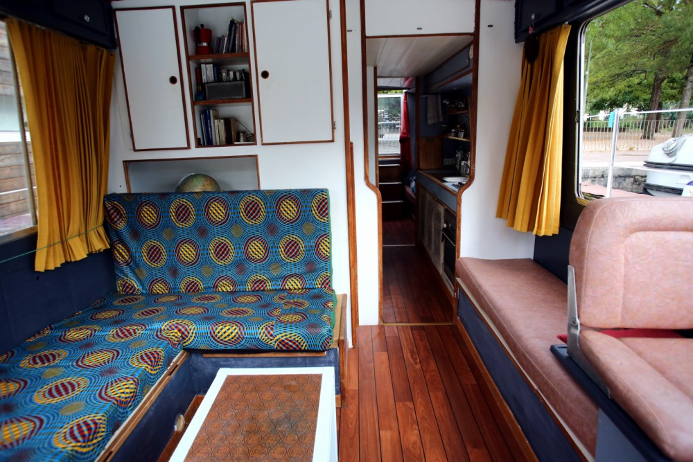 Canal boat for rent Vallabrègues at the best price