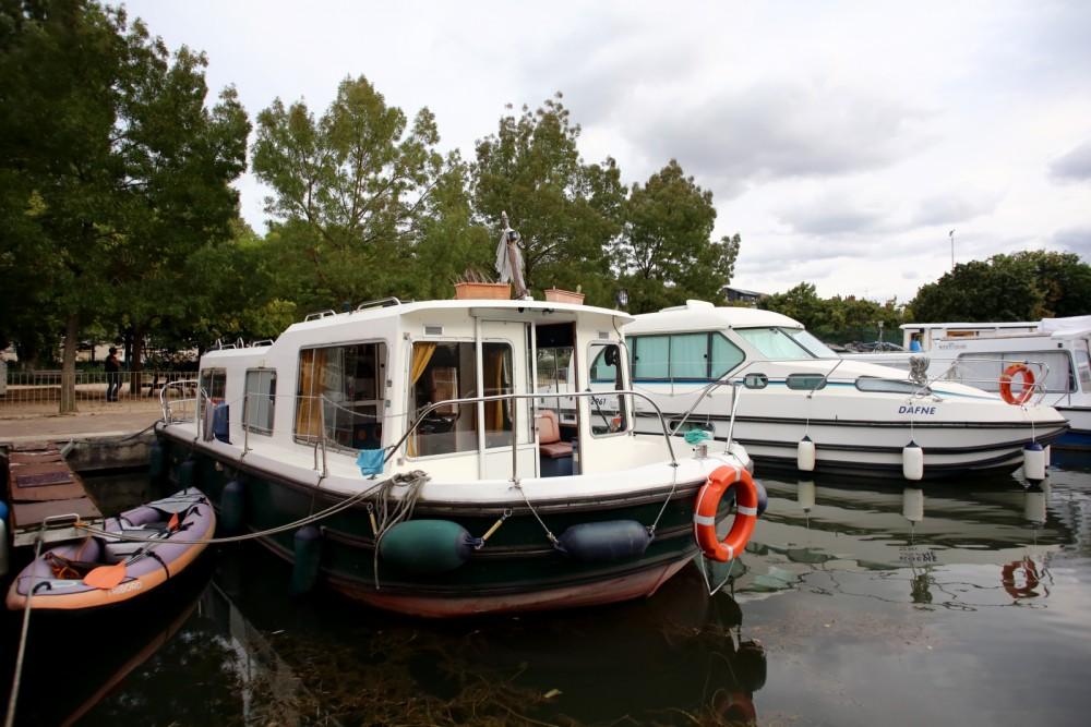 Boat rental Vallabrègues cheap Eau Claire 9.30