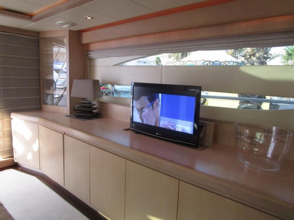 Rental Yacht vz with a permit
