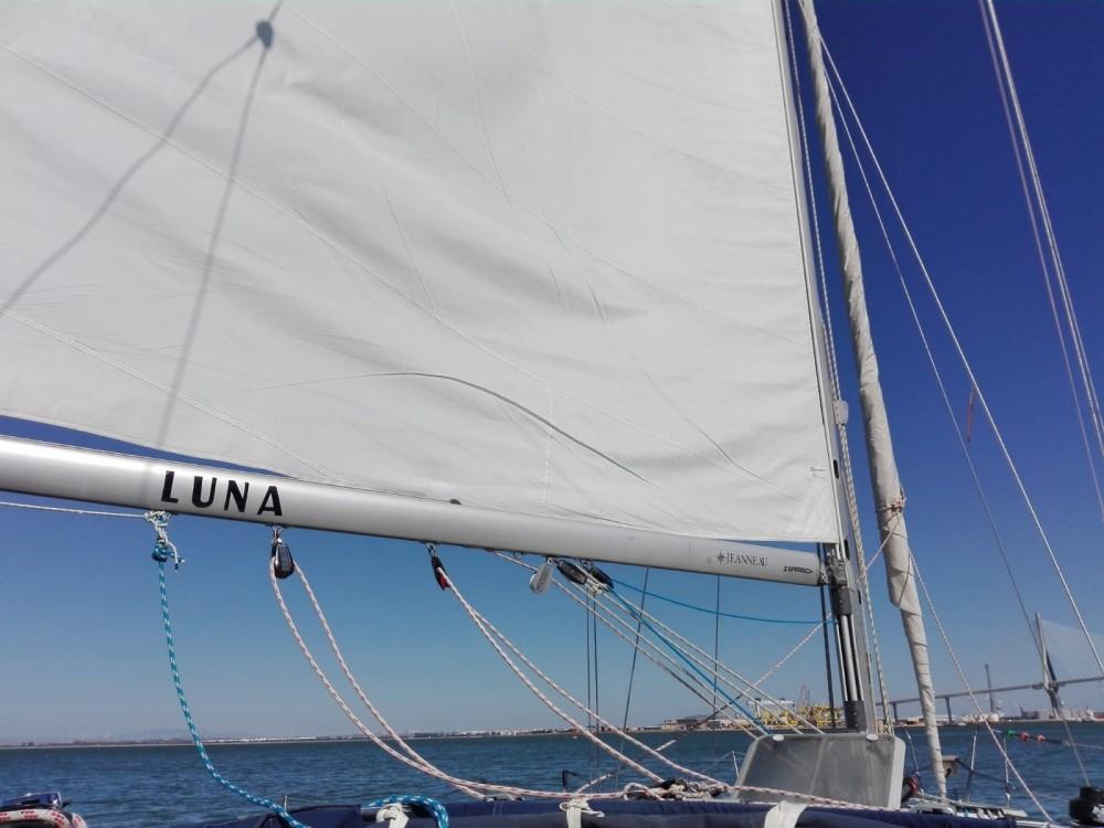 Rental Sailboat in Rota - Jeanneau Sun Odyssey 37.1