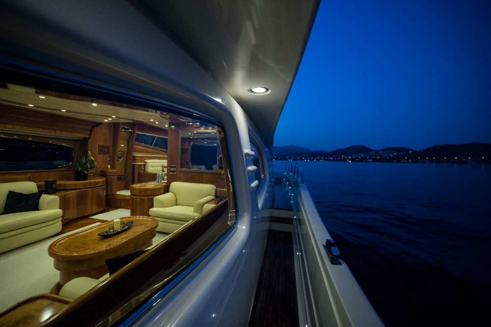 Rental Yacht in Athens - Posillipo Rizzardi