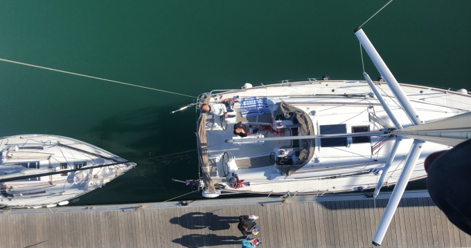 Jeanneau Sun Odyssey 389 between personal and professional La Rochelle