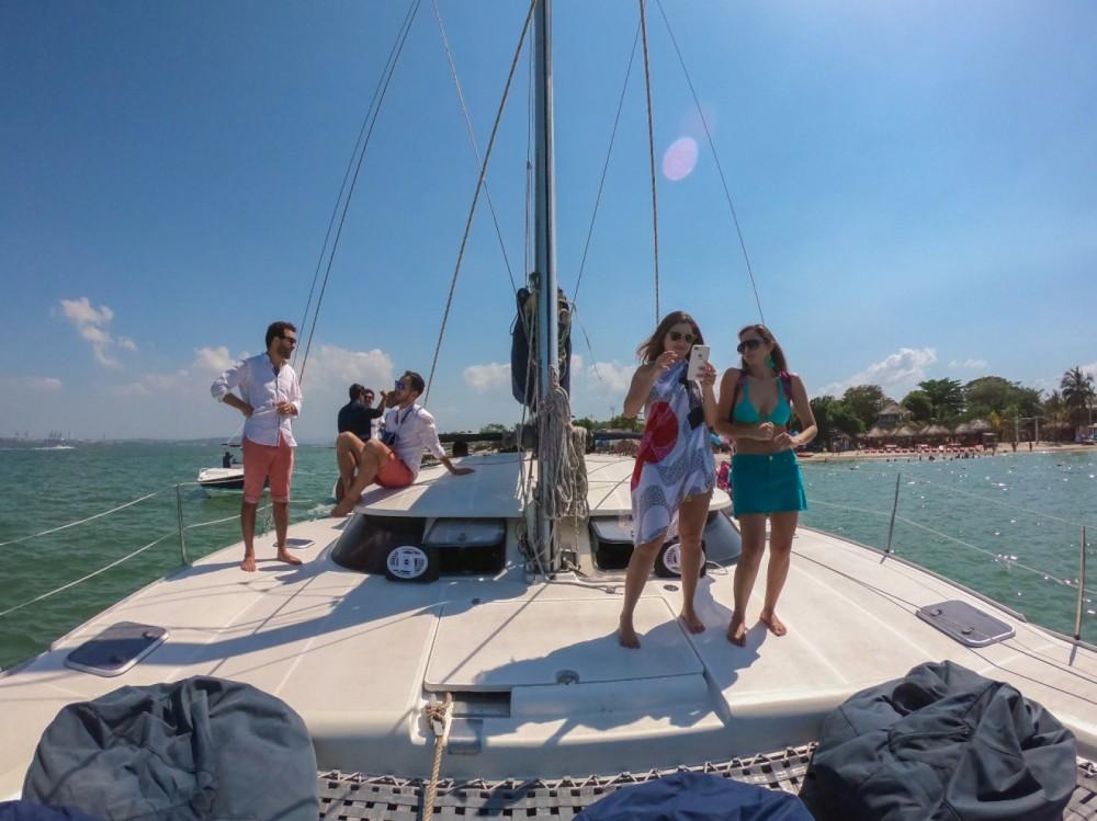 Catamaran for rent Bolívar at the best price