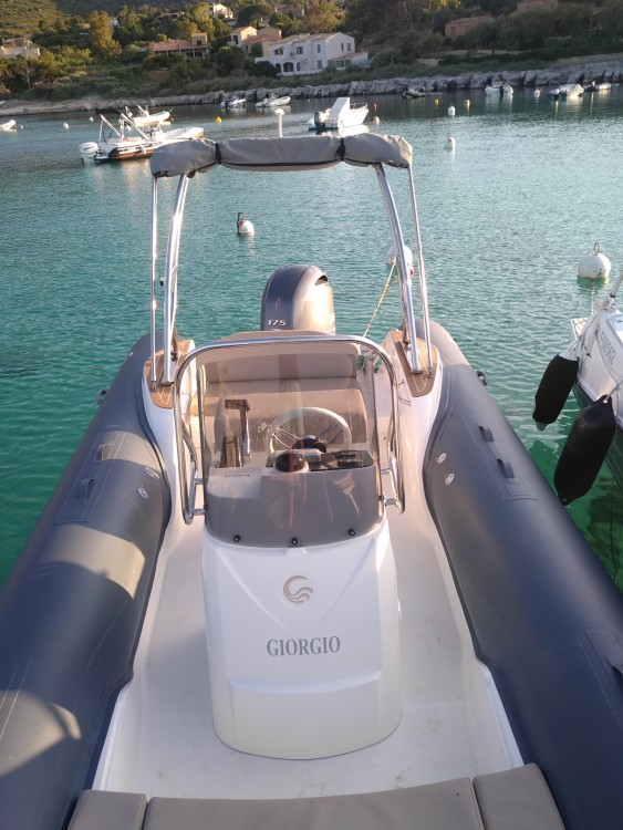 Boat rental Capelli Tempest 650 luxe in L'Île-Rousse on Samboat