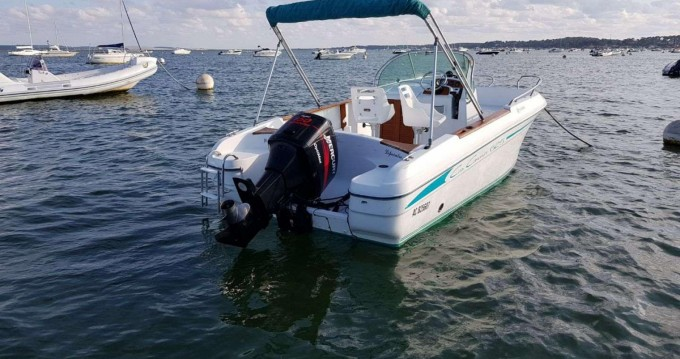 Rental yacht Grand Piquey - Jeanneau Cap Camarat 625 on SamBoat