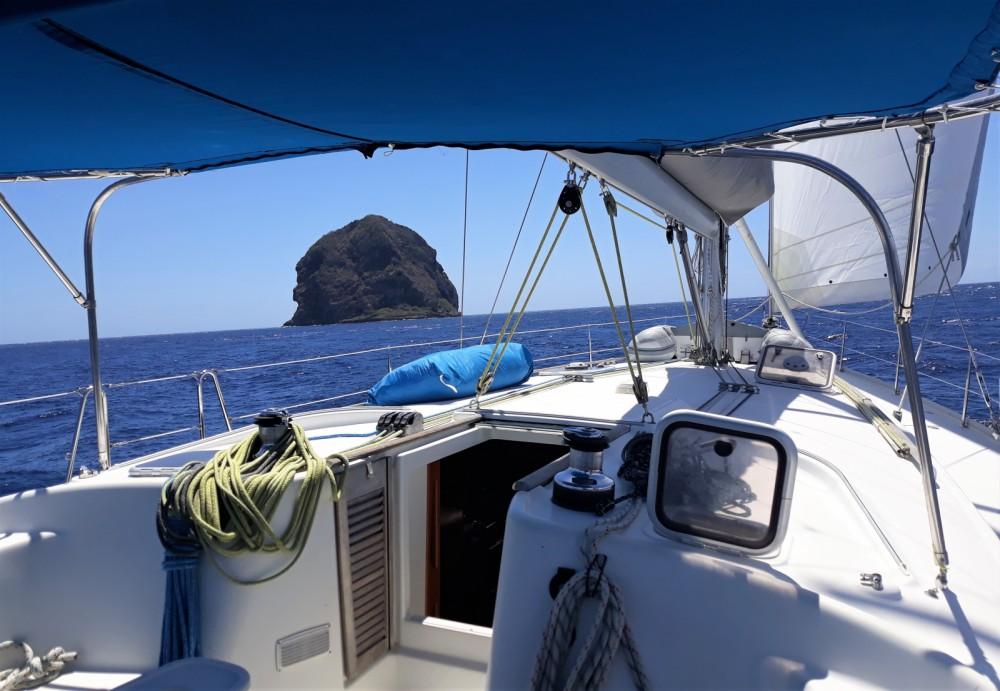 Rental Sailboat in Le Marin - Bénéteau Cyclade 50.5