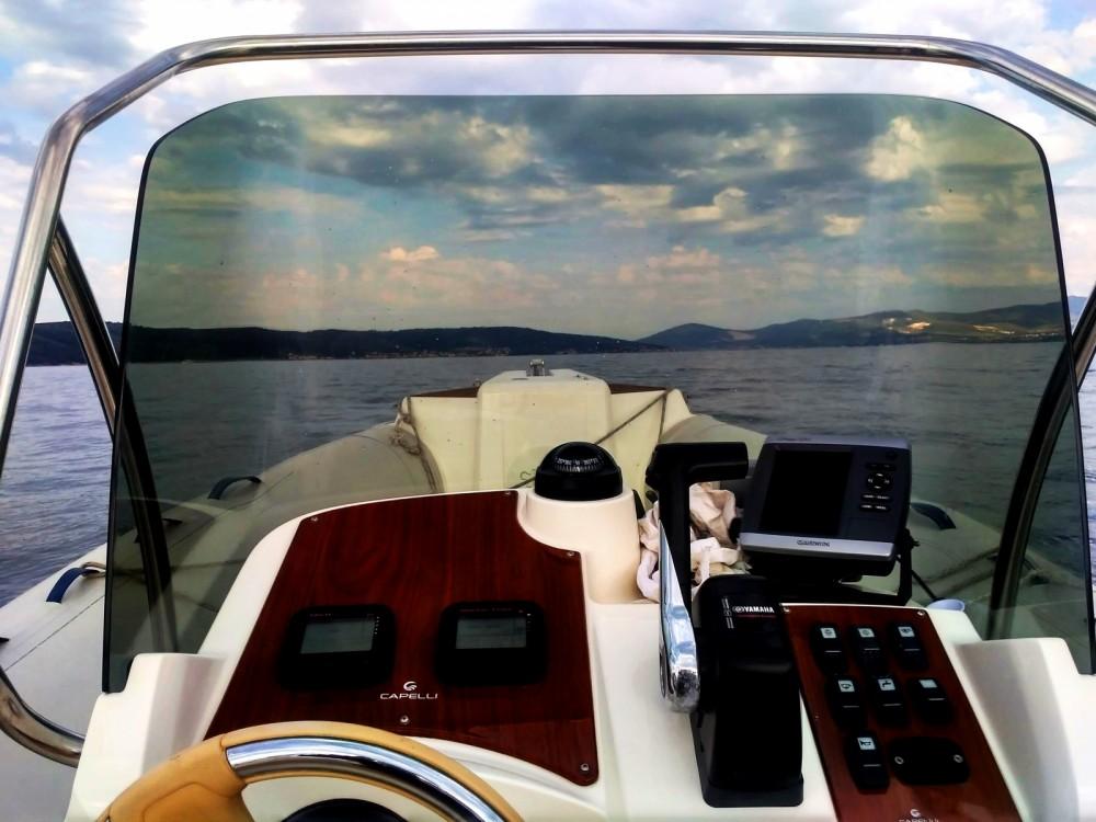 Boat rental Capelli Tempest 770 Sun in Trogir on Samboat