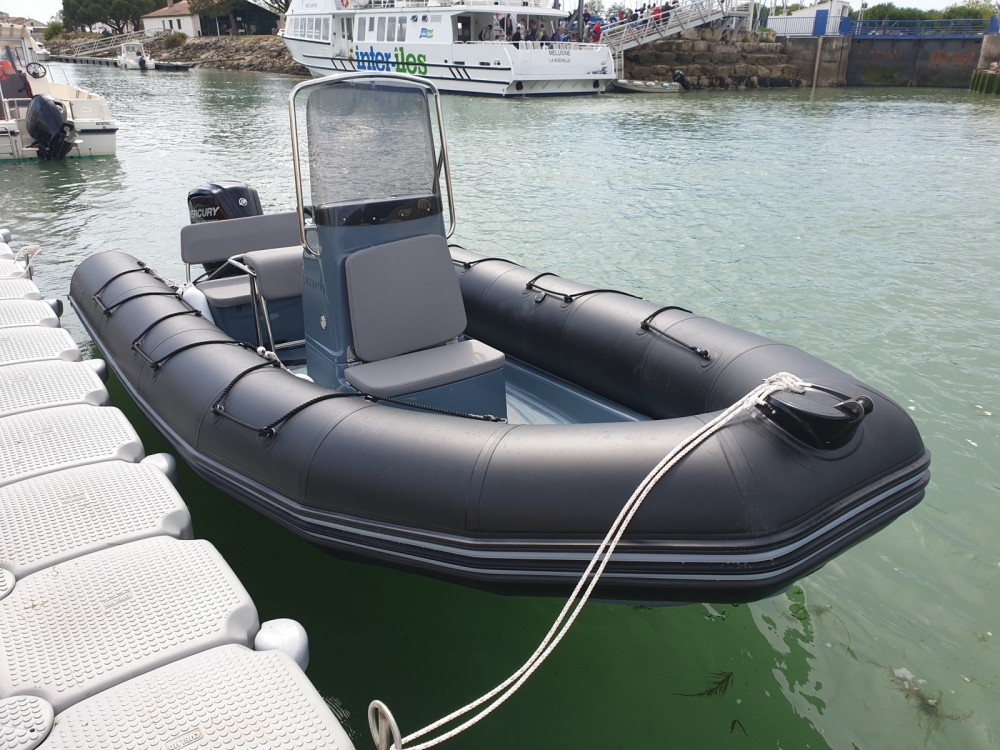 Hire RIB with or without skipper Bombard La Flotte