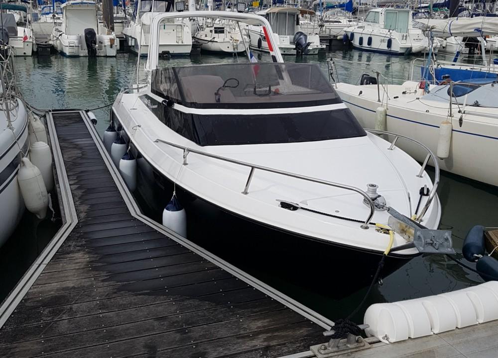 Rental Motor boat in La Rochelle - Jeanneau Leader 650 Performance