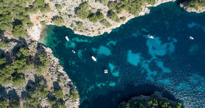 Motorboat for rent Puerto de Pollensa at the best price