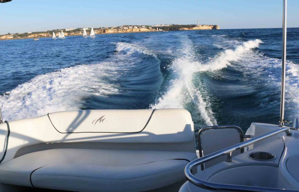 Rent a Monterey 250 Portugal