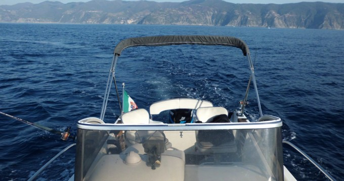 Rental Motorboat in La Spezia - Capelli Cap 23 WA