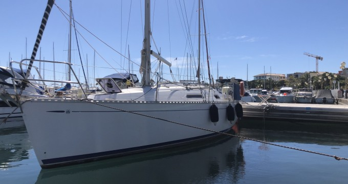Boat rental Antibes cheap Dufour 30