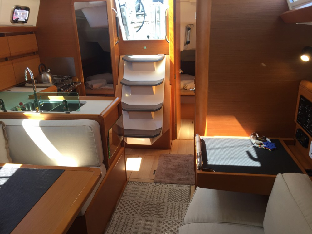 Rental yacht Kalafationes - Jeanneau Sun Odyssey 389 on SamBoat