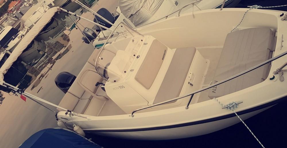 Boat rental Quicksilver Activ 555 Open in Mandelieu-la-Napoule on Samboat
