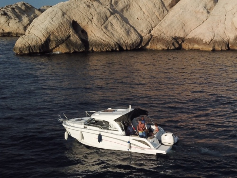 Hire Motorboat with or without skipper Bénéteau Marseille