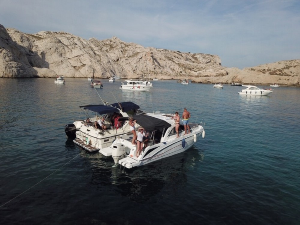 Boat rental Bénéteau Antares 8 OB in Marseille on Samboat