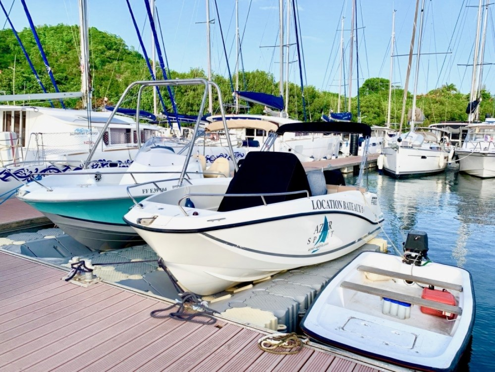 Motorboat for rent Le Marin at the best price