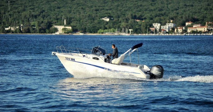 Motorboat for rent Malinska-Dubašnica at the best price
