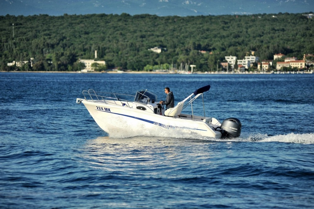 Motorboat for rent Malinska at the best price