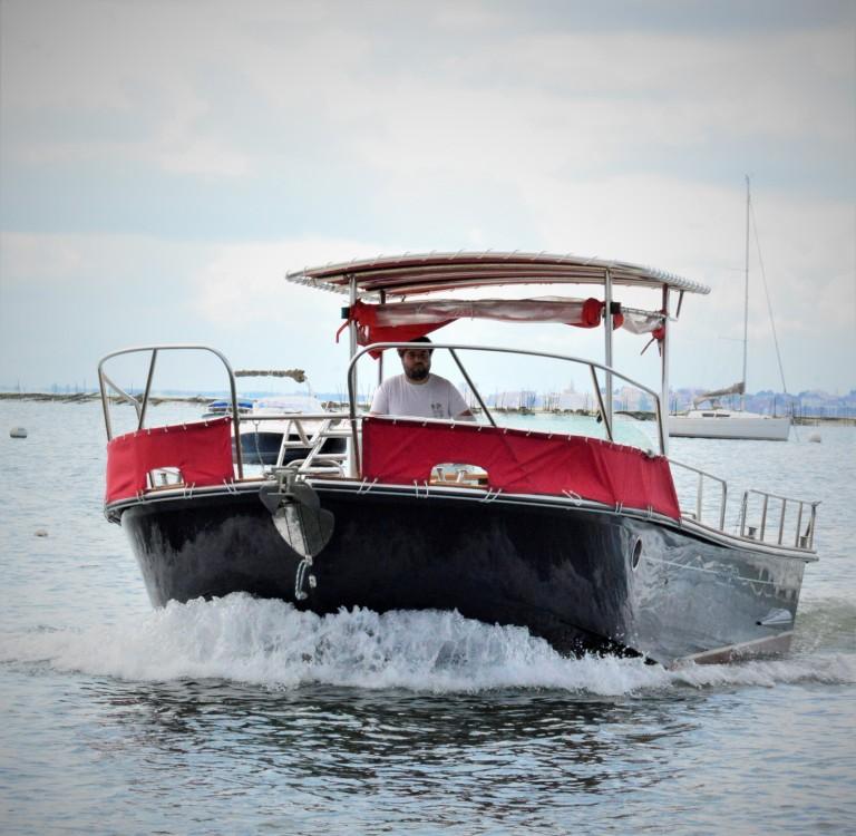 Boat rental Lège-Cap-Ferret cheap Beacher V10 Croisière