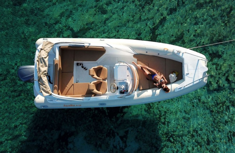 Boat rental Hvar cheap Aquamax
