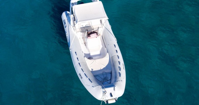 Boat rental Sacs sacs 5.9 in Hvar on Samboat