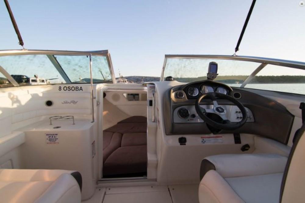 Boat rental Sea Ray 240 Sun Sport in Barbat na Rabu on Samboat
