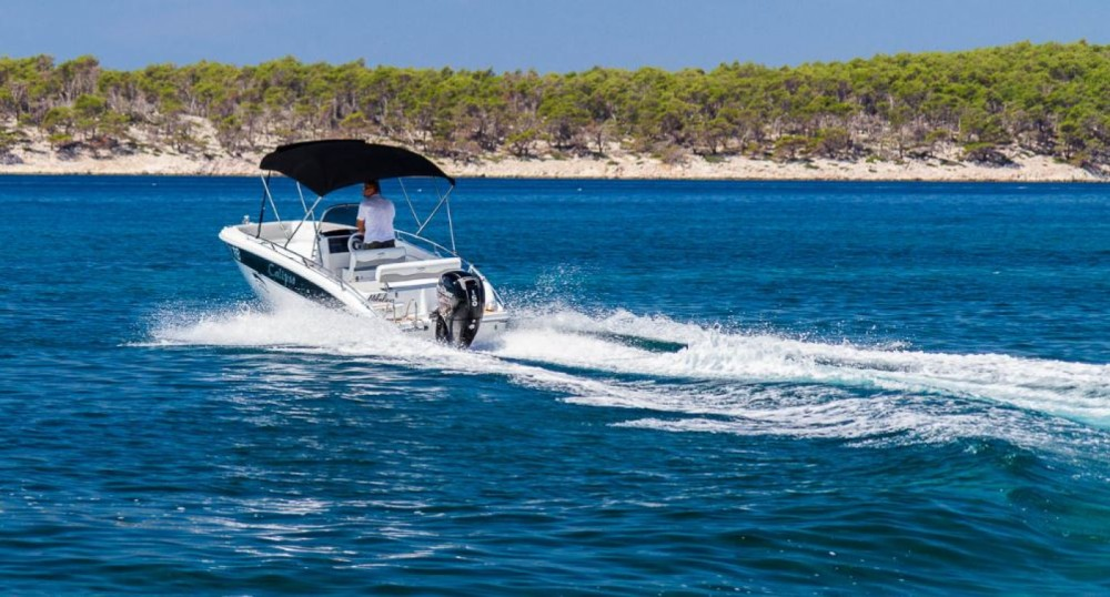 Rental Motorboat Salmer Calipso with a permit