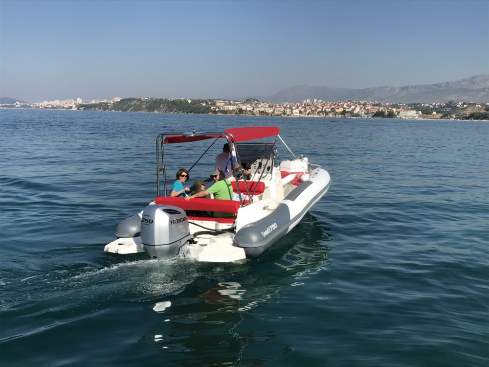 Rental yacht Split - Marlin Boat Dynamic 790 on SamBoat