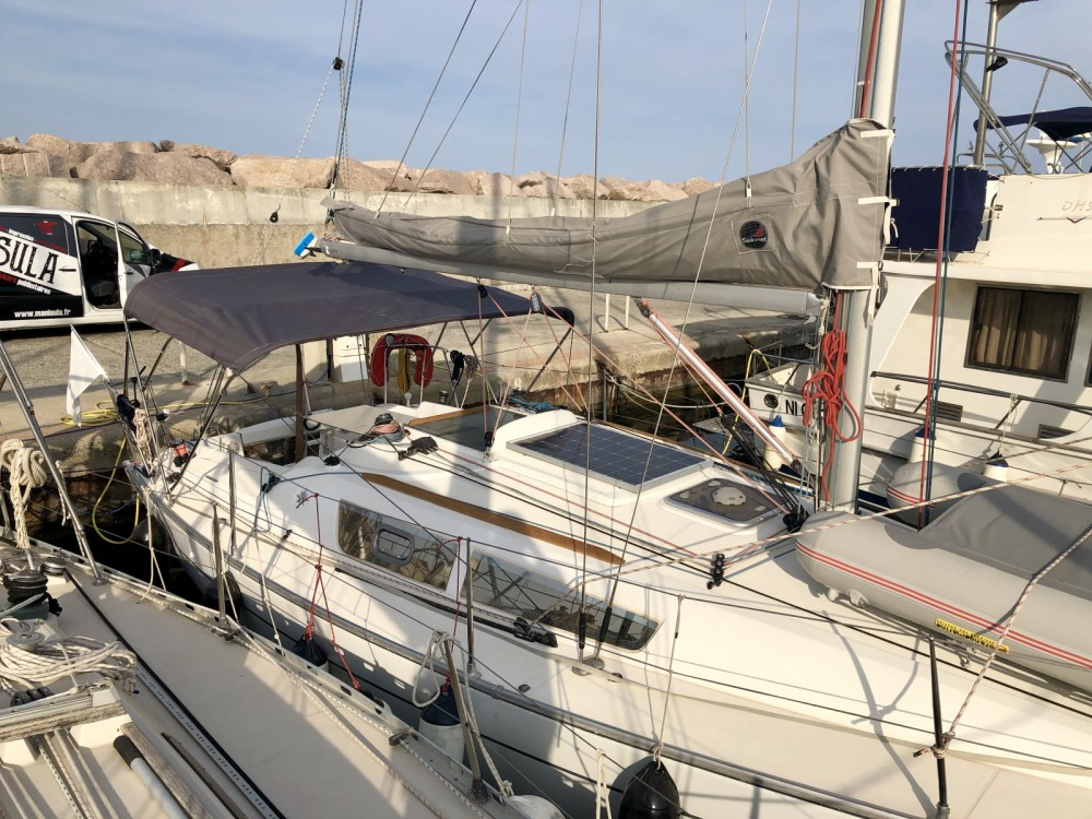 Boat rental Jeanneau Sun Fast 32i in Sari-Solenzara on Samboat