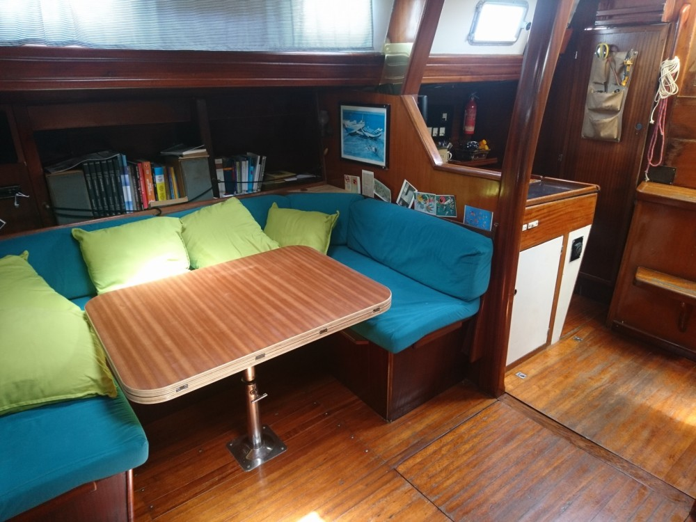 Rental Sailboat Herbulot with a permit