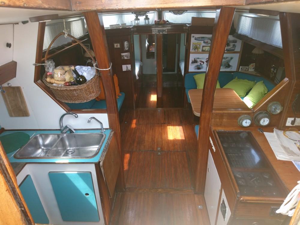 Rental yacht Salerno - Herbulot Beaufort 18 on SamBoat