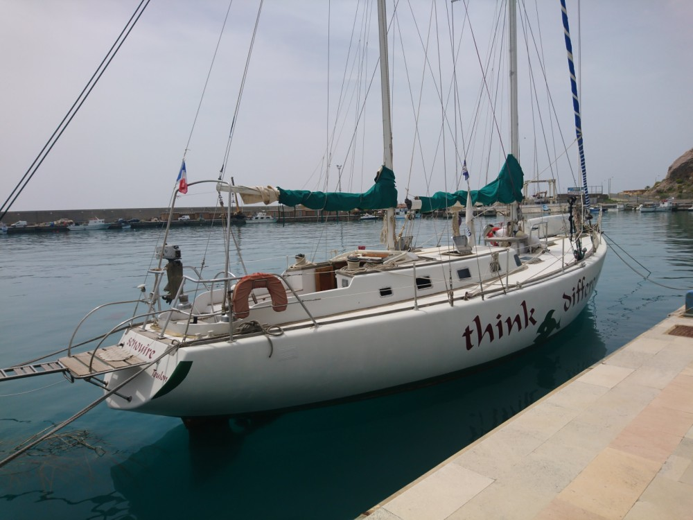 Hire Sailboat with or without skipper Herbulot Salerno