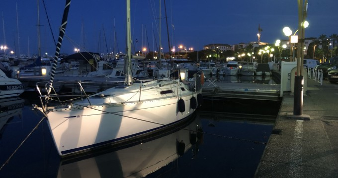 Rental yacht Antibes - Dufour Dufour 30 on SamBoat