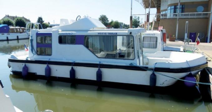 Boat rental Les Canalous Espade 850 Fly in Luzech on Samboat
