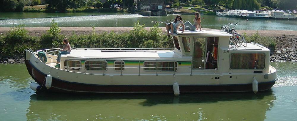 Rental Canal boat in Chenillé-Champteussé - Les Canalous Pénichette 1107W