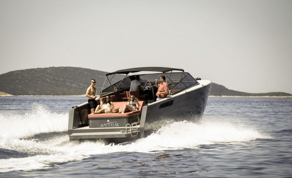 Rental Motorboat in Hvar - Axiom Colnago Open