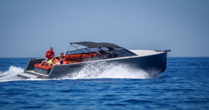 Motorboat for rent Hvar at the best price