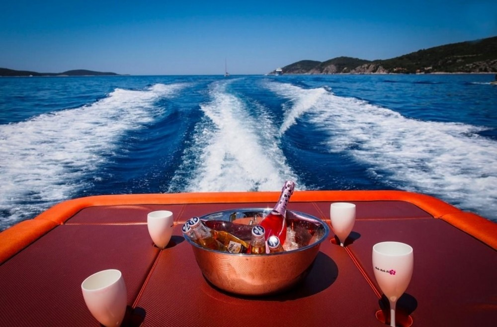 Hire Motorboat with or without skipper Axiom Hvar